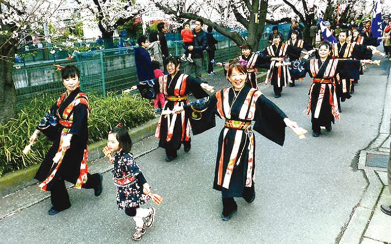 鳴子踊りチーム輝楽