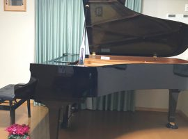 ピアノ演奏を通して音楽を愛する心を育てます「森ピアノ教室」