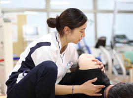 患者だけでなく、スタッフにもさまざまな配慮がされた環境で働くことができる。