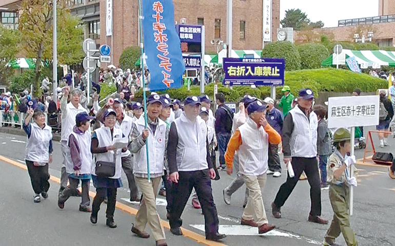 区民まつりパレード