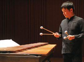 読売日本交響楽団打楽器奏者、同大学の非常勤講師でもある西久保氏。