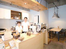 イートインスペースで日替わりのアイスコーヒーなどを楽しむことができます