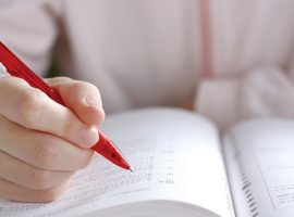 塾生一人ひとりの 学びと疑問に向き合う「ネオスクール 教文研」