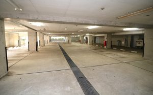 地下駐車場・駐輪場