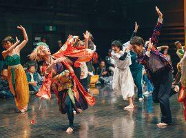 ダンスが、踊る人、見る人、全ての人の背中を押すことを願いながら、この9月23日という、かけがえのない一日のために集った出演者それぞれの人生をたどるステージを作ります(写真は過去の山猫団の公演の様子)