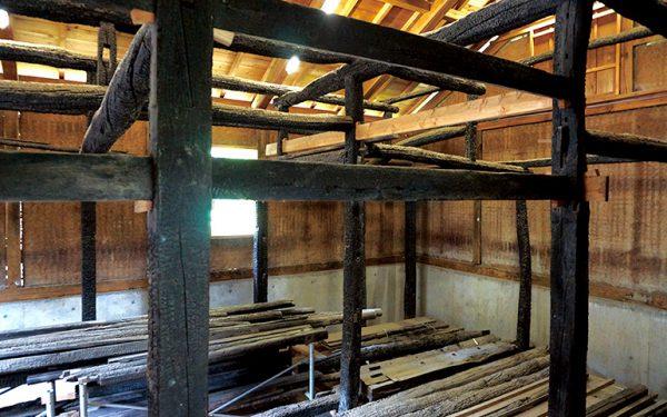 1990年の火事により焼損した部材